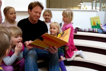 samling, højtlæsning, fortælletrappe, børnehave bjørnemosen